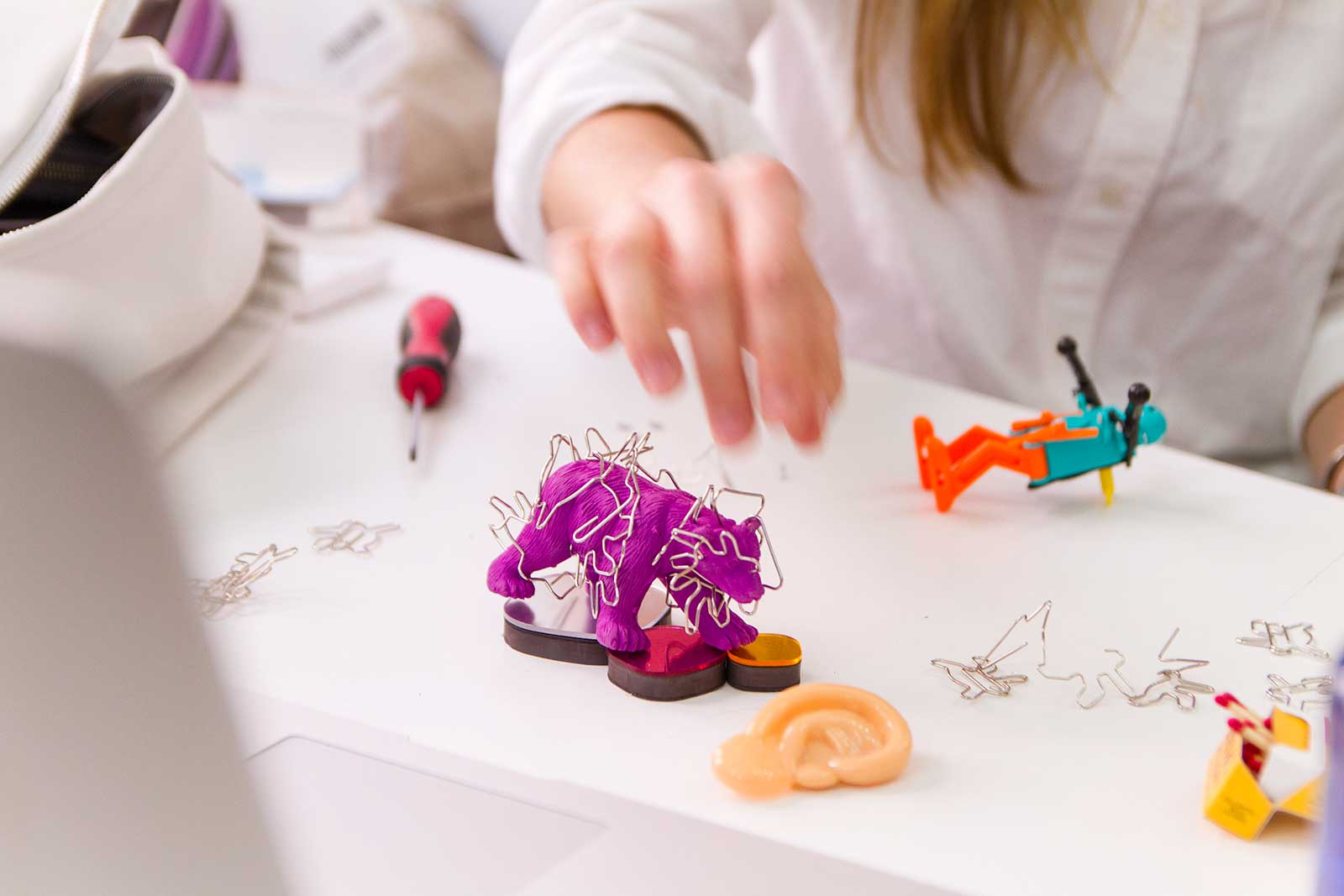 Hacking Toys. Workshop with Raw Color 2016