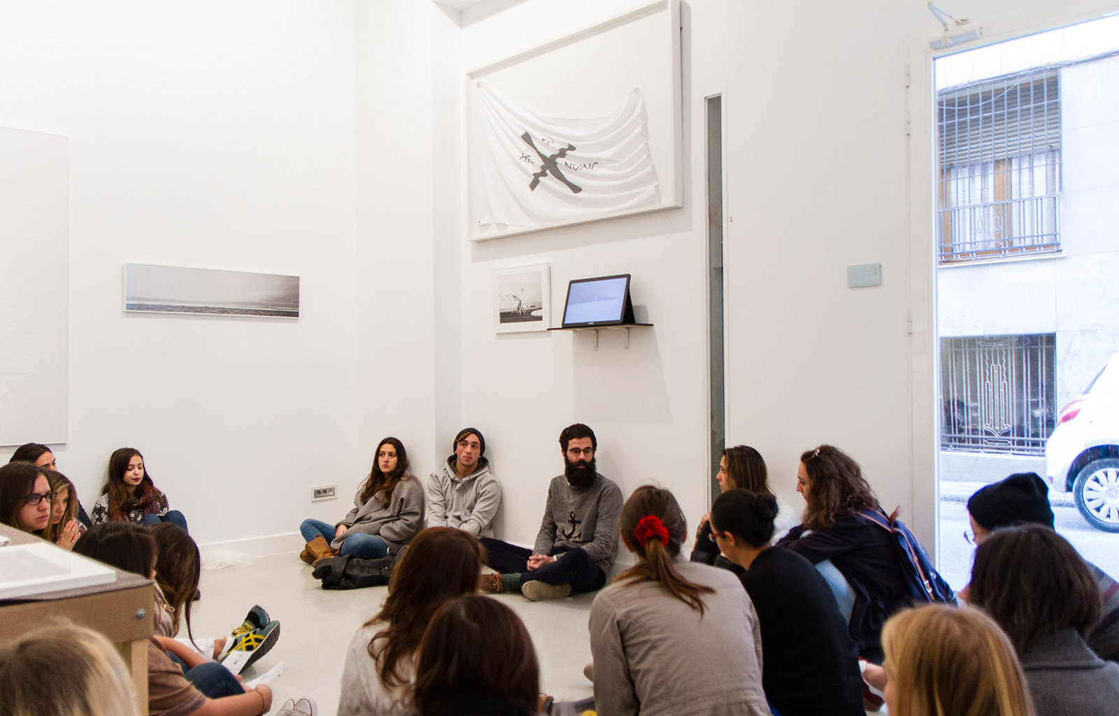 Visiting the Twin Gallery with Tito Pérez Mora